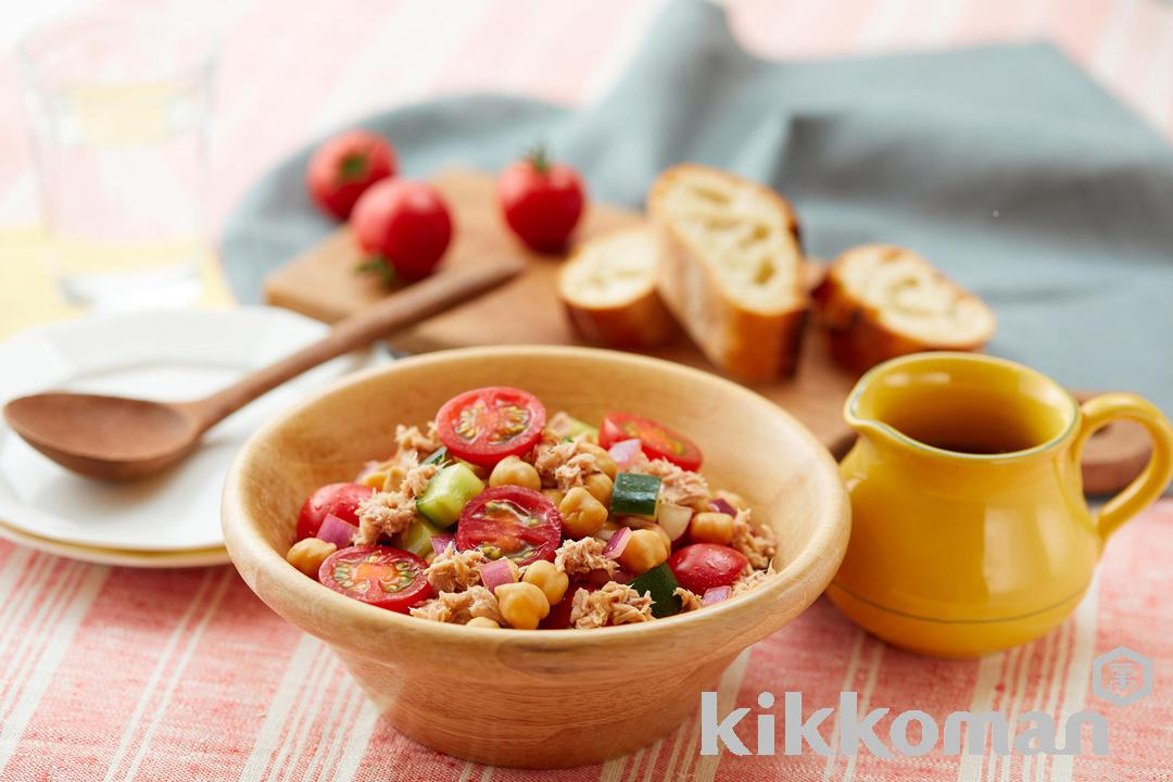 Tuna Salad with Cherry Tomatoes and Chickpeas